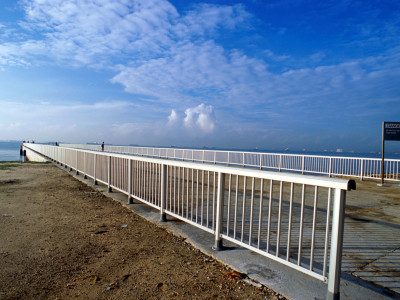 Silver Anodized Marine Grade Aluminium Handrails At East Coast Park